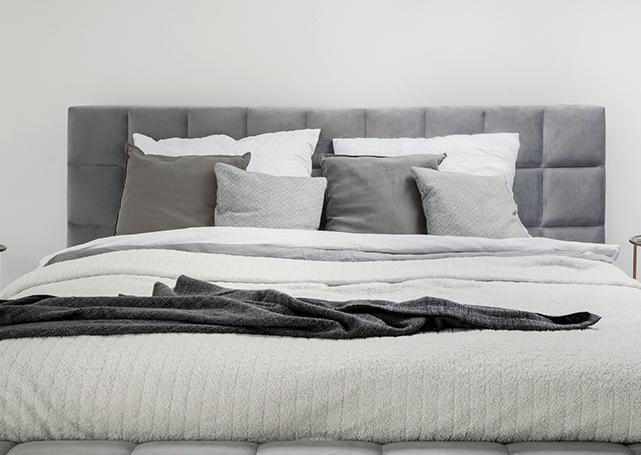 Zaścielone łóżko